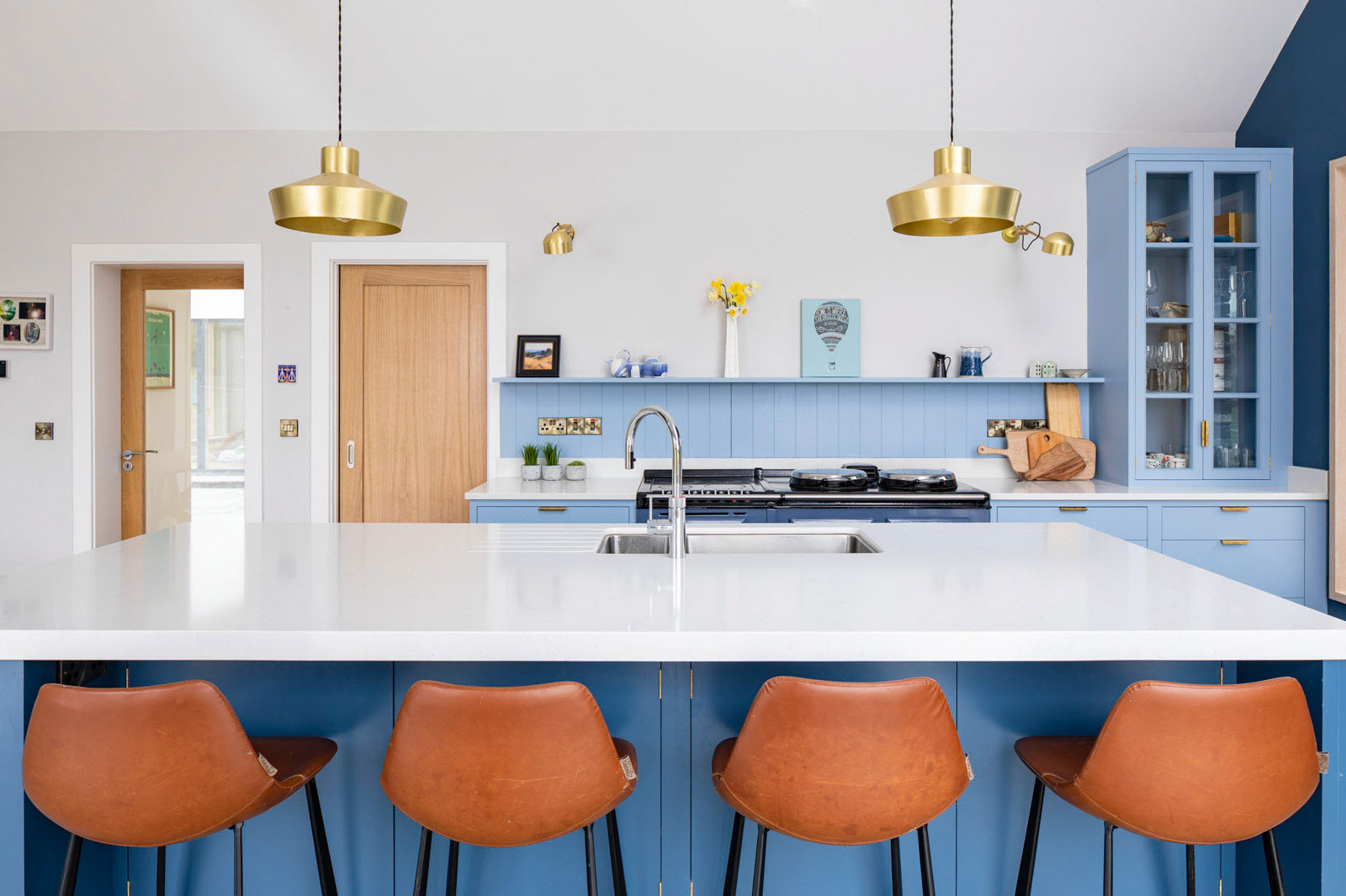 Soft Brass Lighting Finishes in this Modern Farmhouse Kitchen