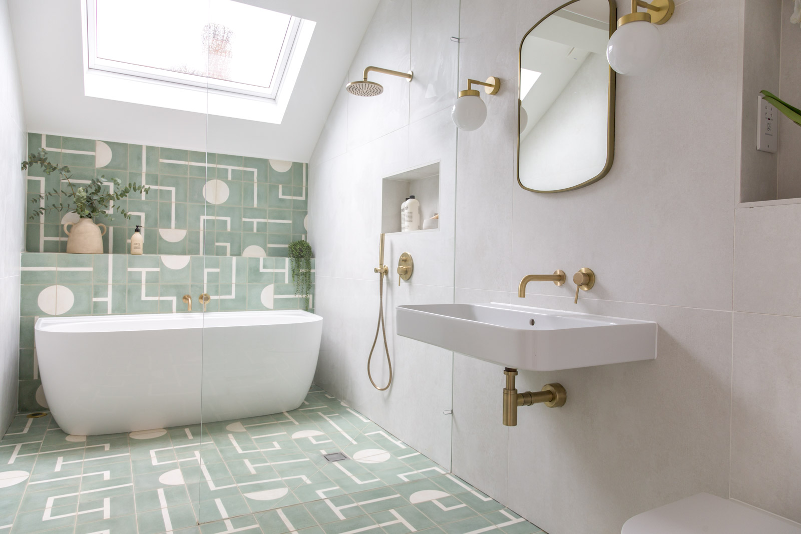 Our Essential Guide to Bathroom Lighting