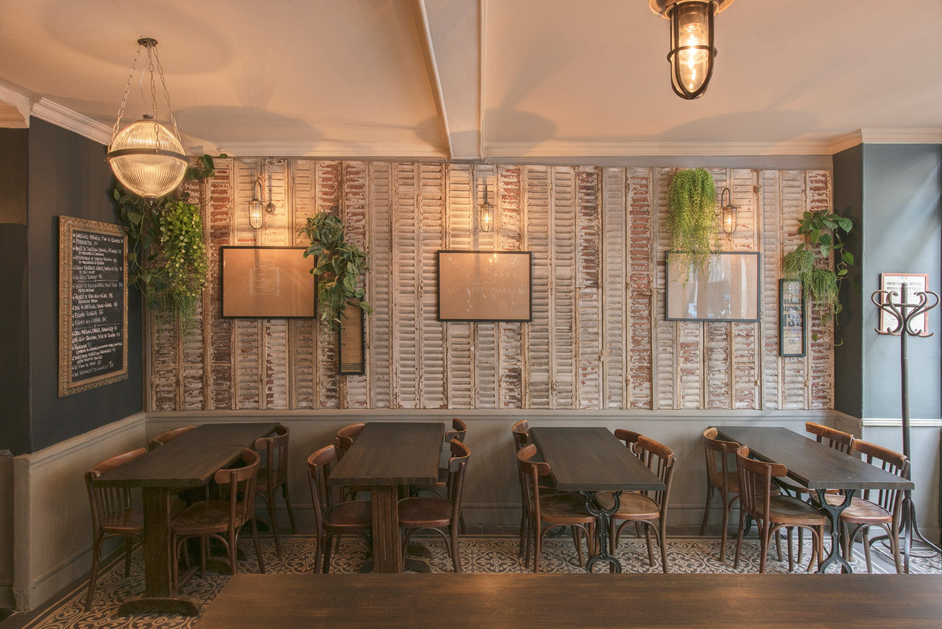 Our well glass wall lights help create an intimate dining experience at this Parisian restaurant